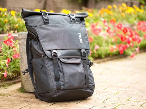 293bab66e3 Thule「Covert DSLR Backpack」(実勢価格26,000円前後). スウェーデンのアウトドアブランドThuleのカメラバッグ。