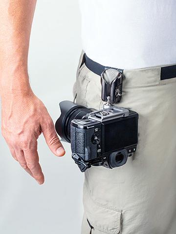 カメラホルスター「SPIDER CAMERA HOLSTER」に小型モデル