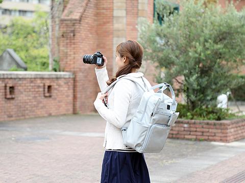 f514e1a3dcd3 女性向けカメラアイテムブランド「ミーナ」から、奥行き15cmのカメラ ...