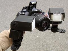 自作改造したリバースマクロ14,42mmをE,420に、「マクロフラッシュブラケット」と「エレクトロフラッシュFL,36」2台を装着してみた。レンズ前約4cmの被写体を照明する