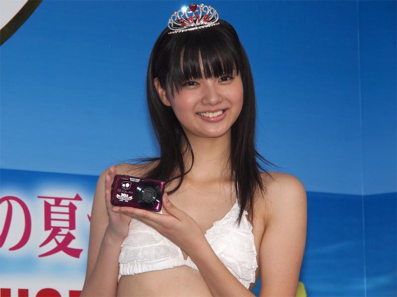 「ミスマガジン2010」と合成写真を撮れるEXILIMコラボモデル(1/24)