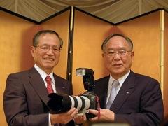 キヤノン社長に御手洗冨士夫氏が返り咲き。内田氏は相談役に