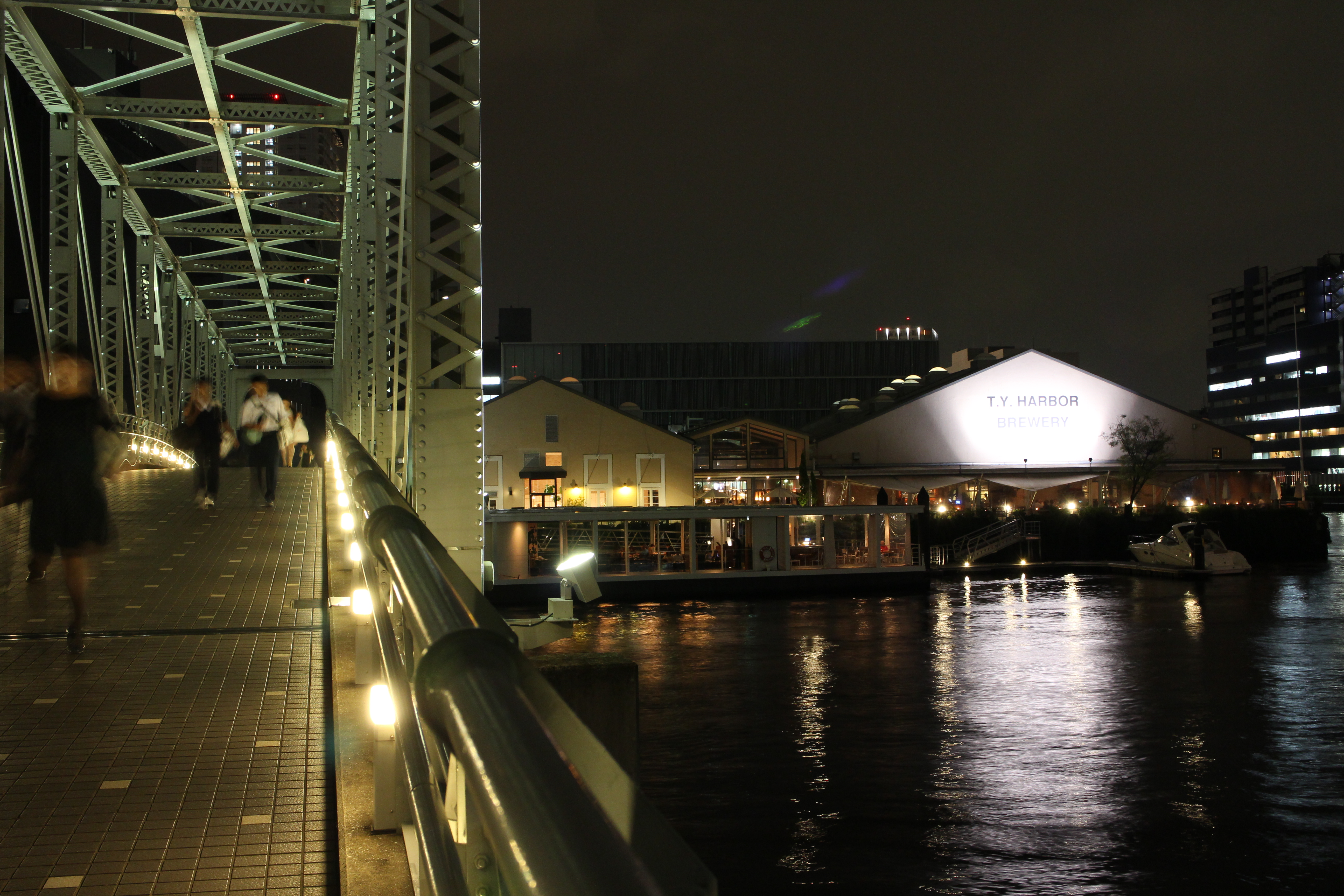 <b>EOS M / EF-M 18-55mm F3.5-5.6 IS STM / 約6.2MB / 5,184×3,456 / 1/1.2秒 / F8 / -0.3EV / ISO800 / 24mm</b>