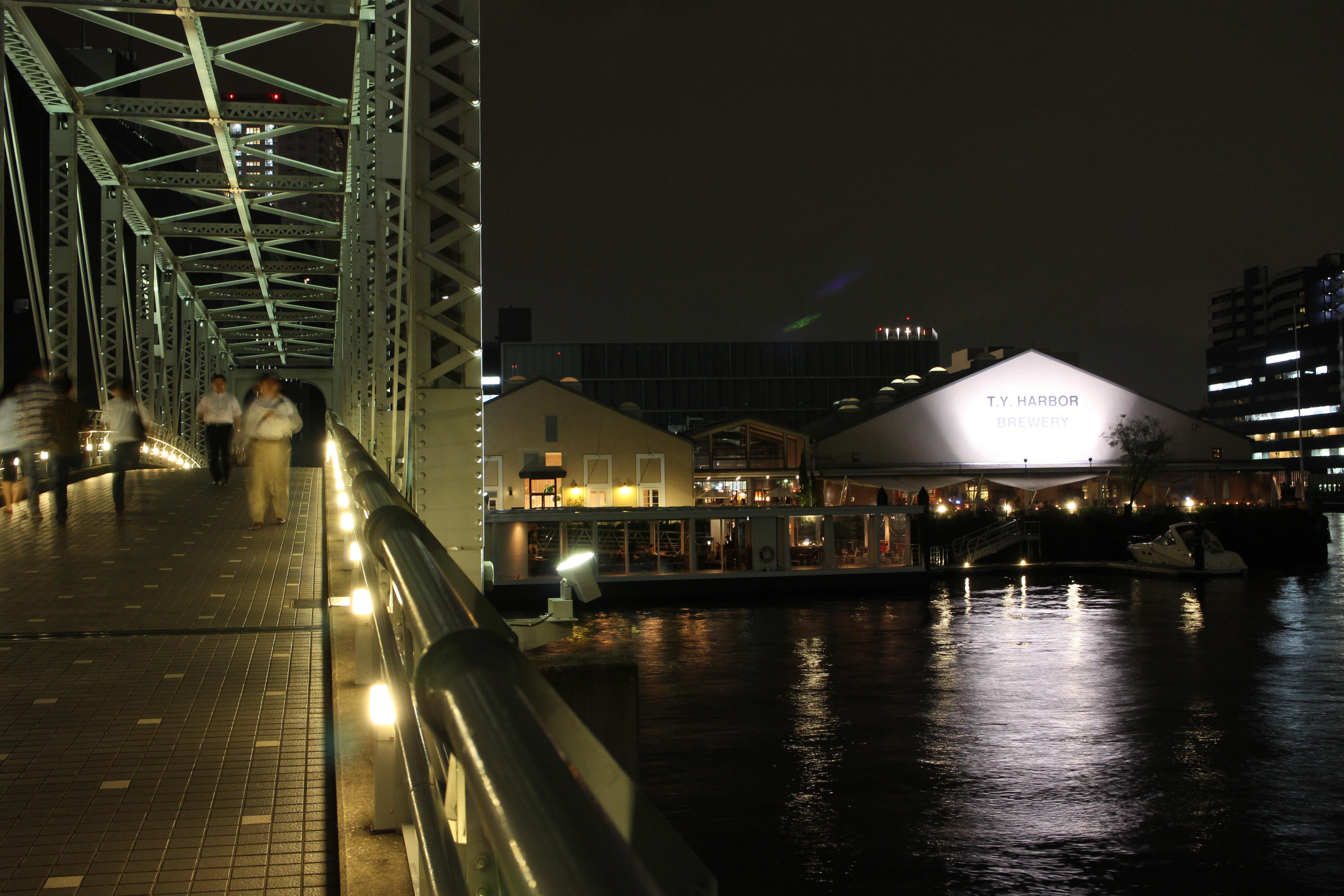 <b>EOS M / EF-M 18-55mm F3.5-5.6 IS STM / 約6.0MB / 5,184×3,456 / 1/1.2秒 / F8 / -0.3EV / ISO800 / 24mm</b>