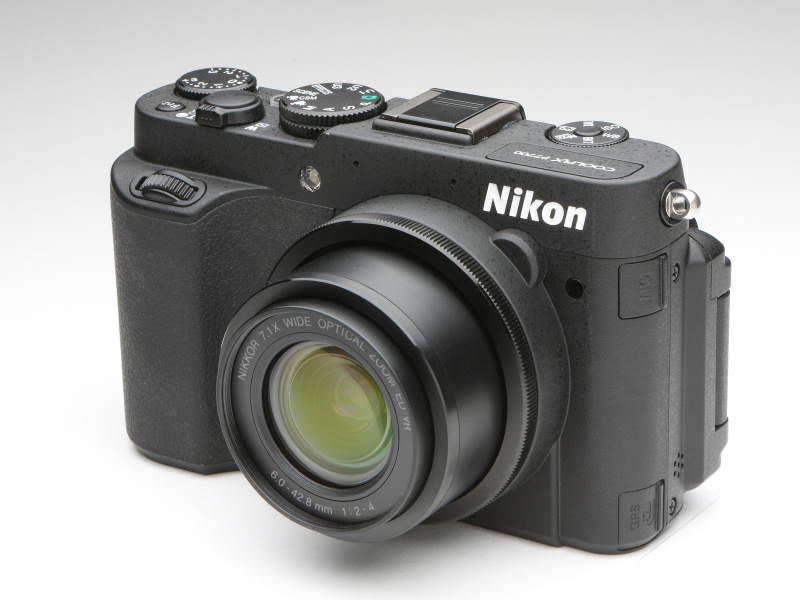 <b>ニコンCOOLPIX P7700</b>