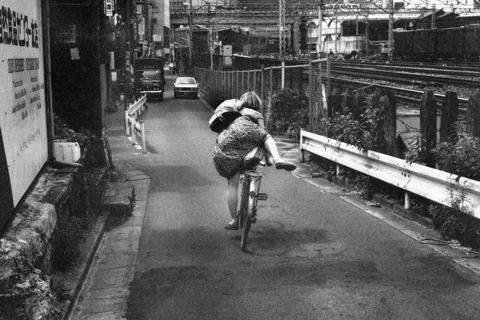 横木安良夫写真展「Day by Day」...