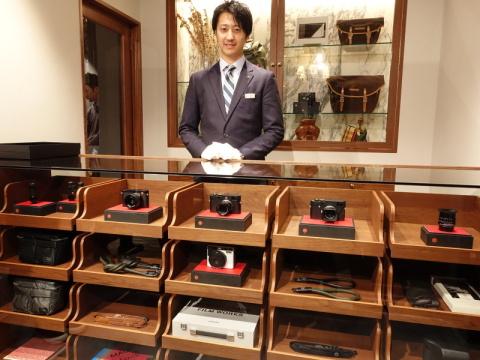 吉田カバン直営店「PORTER表参道」で、ライカの取り扱いが開始 「旅」がテーマのマグナム・フォト写真展も開催中