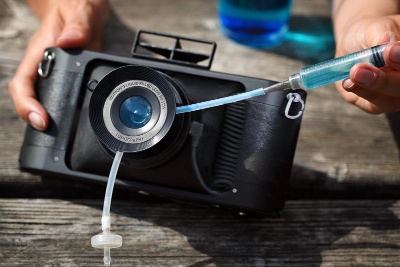 ロモグラフィー、サットン水球レンズ搭載のパノラマカメラ